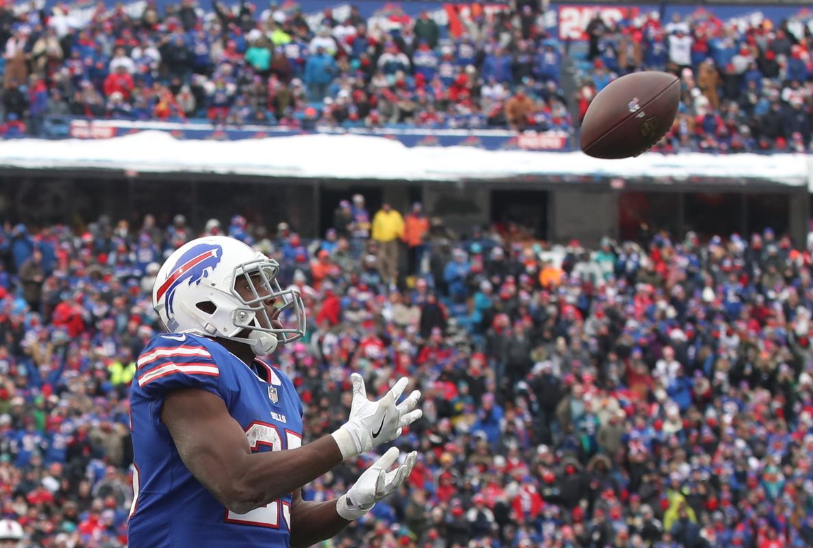 LeSean McCoy is a proven receiving threat for the Bills. (James P. McCoy/Buffalo News)