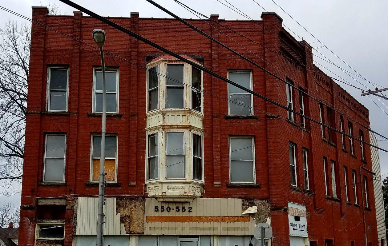 The former medical office of Dr. Pravin V. Mehta at 550 Main St.,  Niagara Falls, as seen Dec. 5, 2017. (Thomas J. Prohaska/The Buffalo News)