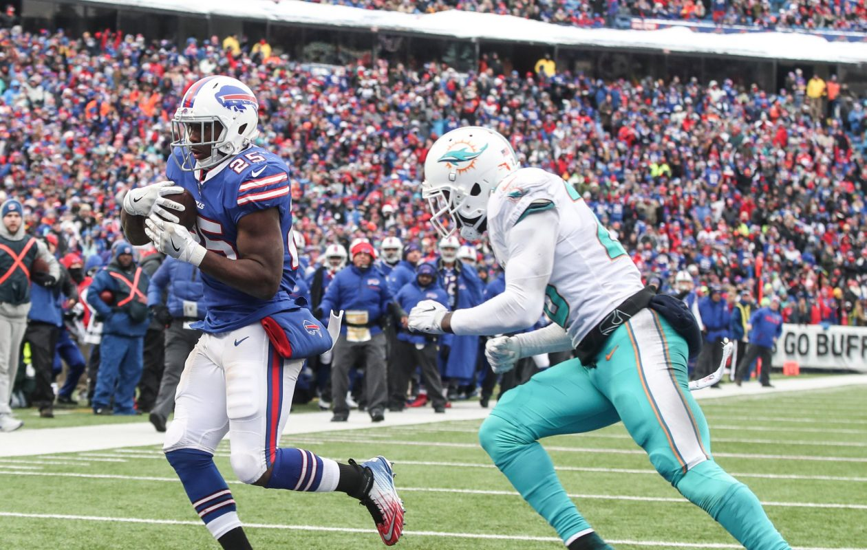 Buffalo Bills running back LeSean McCoy beats Miami Dolphins free safety Reshad Jones for a touchdown in the second quarter at New Era Field on Sunday, Dec. 17, 2017.  (James P. McCoy/Buffalo News)