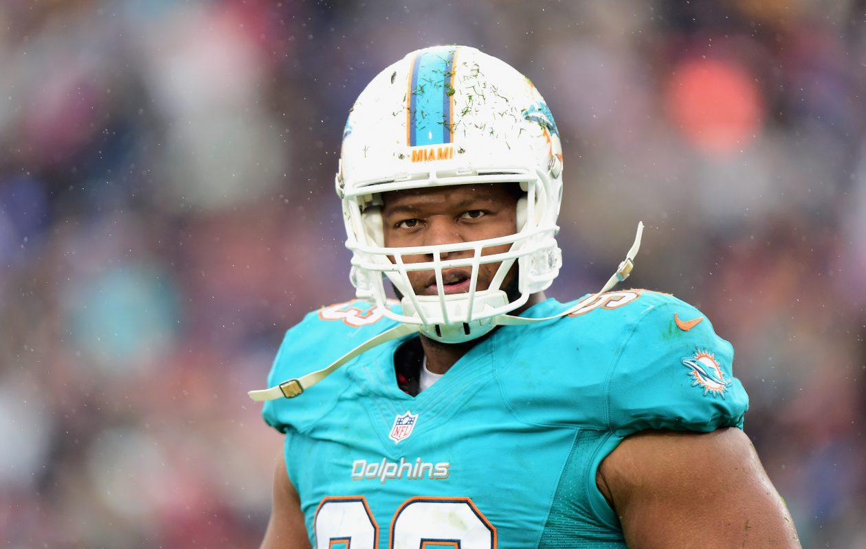 Miami Dolphins' Ndamukong Suh says he'll have his eyes on LeSean McCoy and Tyrod Taylor on Sunday. (Getty Images)