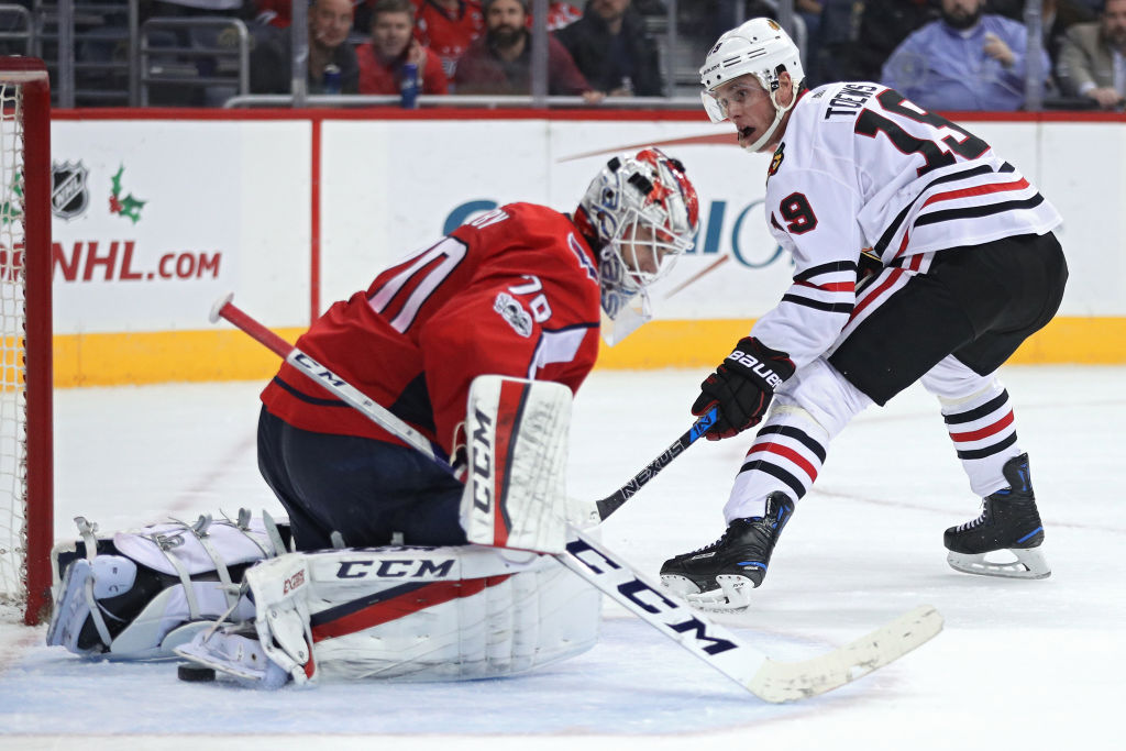 Jonathan Toews' breakaway goal was a rare good moment for the Blackhawks in Wednesday's 6-2 loss in Washington (Getty Images).