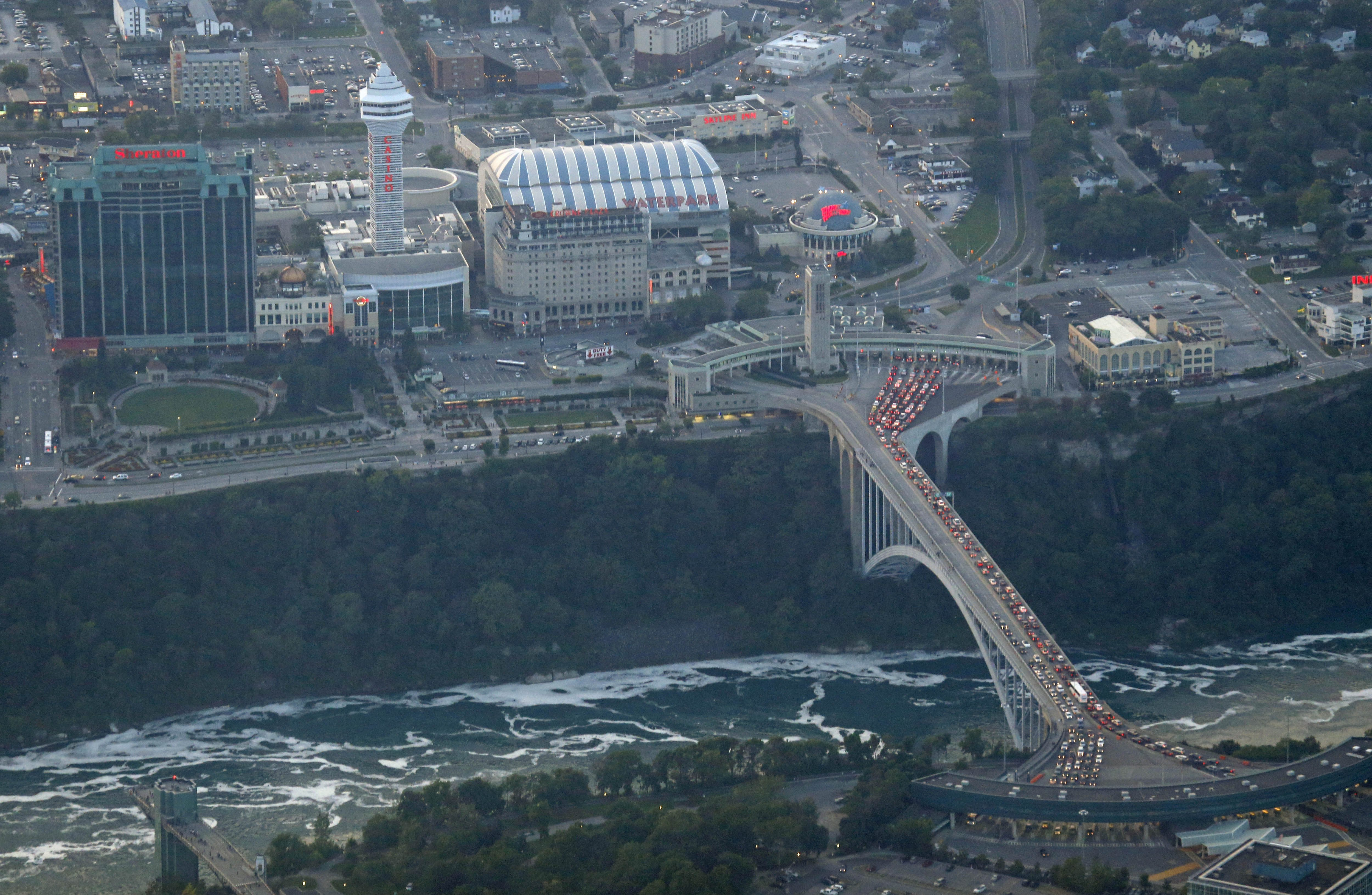 Elderly man spotted going over Canadian side of Niagara Falls