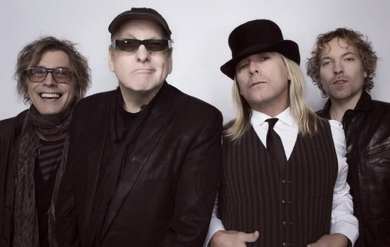 Cheap Trick's new 'Christmas Christmas' captures the mix of nostalgia and giddiness that marks great holiday music.