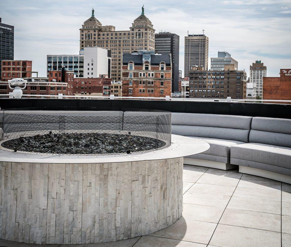 Curtiss Hotel Rooftop Lounge | Buffalo Magazine