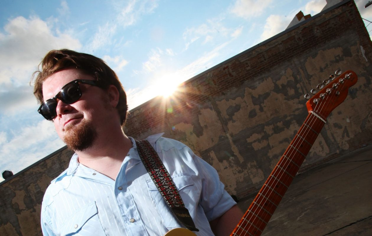 Damon Fowler plays the Tralf Music Hall on Jan. 11. (Photo courtesy Blue Mountain Artists)