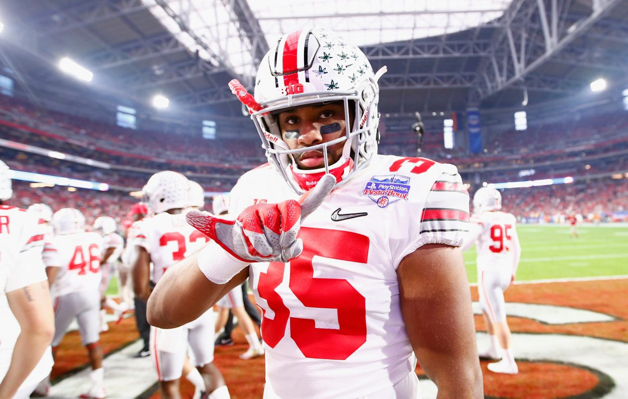 Ohio State linebacker Chris Worley has the ability to play multiple positions on the defense. (Getty Images)