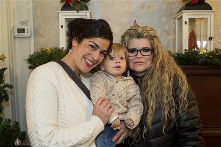 Smiles at Christmas at Knox Farm Arts & Crafts Show