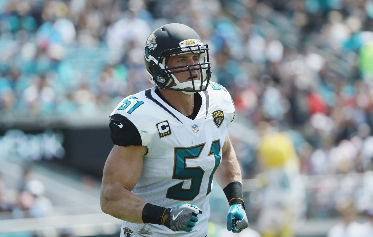 Paul Posluszny #51 of the Jacksonville Jaguars runs off the field during the second half of their game against the Tennessee Titans at EverBank Field on September 17, 2017 in Jacksonville, Florida.  (Getty Images)