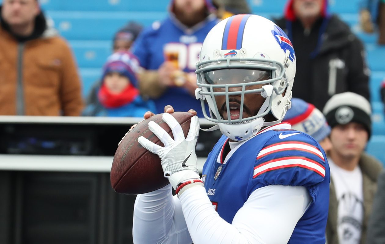 Buffalo Bills quarterback Tyrod Taylor (5) throws a pass during pregame warm ups at New Era Field in Orchard Park N.Y. on Sunday, Dec. 17, 2017.  (James P. McCoy / Buffalo News)