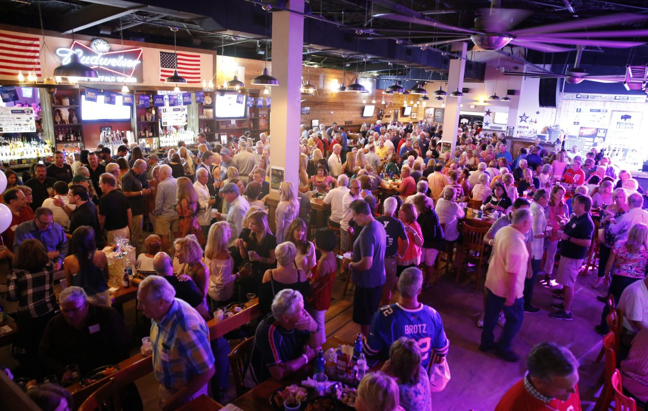 The crowd at last year's Everything Buffalo party in Sarasota. (Rich Schineller/Perception Management)