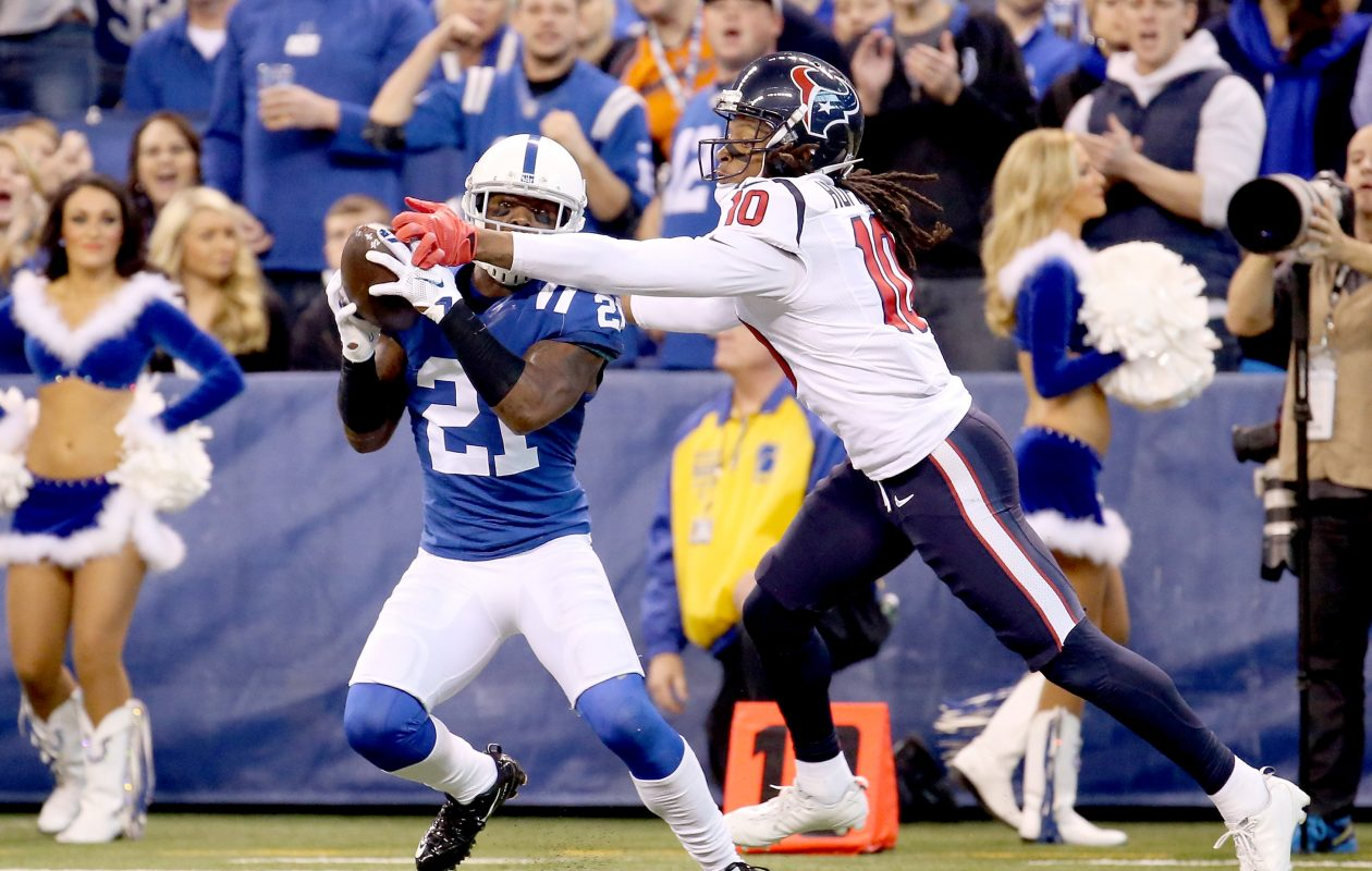 Cornerback Vontae Davis' one-year contract with the Buffalo Bills could be worth as much as $8 million. (Getty Images)