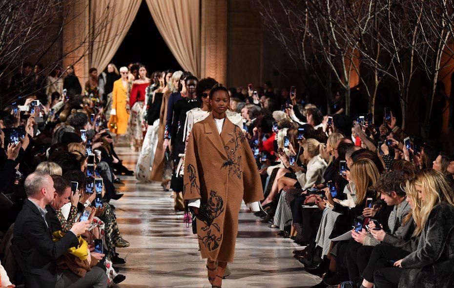 Models walk the runway at the Oscar de la Renta fashion show during  New York Fashion Week.   (Photo by Slaven Vlasic/Getty Images)
