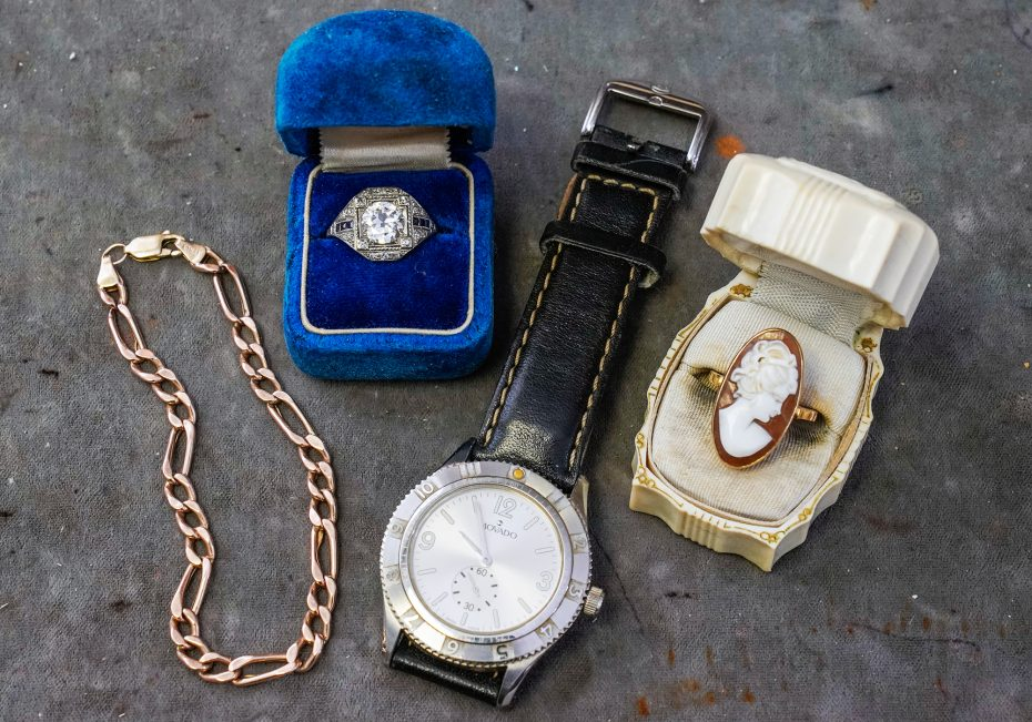 Grand Gold & Silver Buyers | Where to sell your stuff | Buffalo Magazine