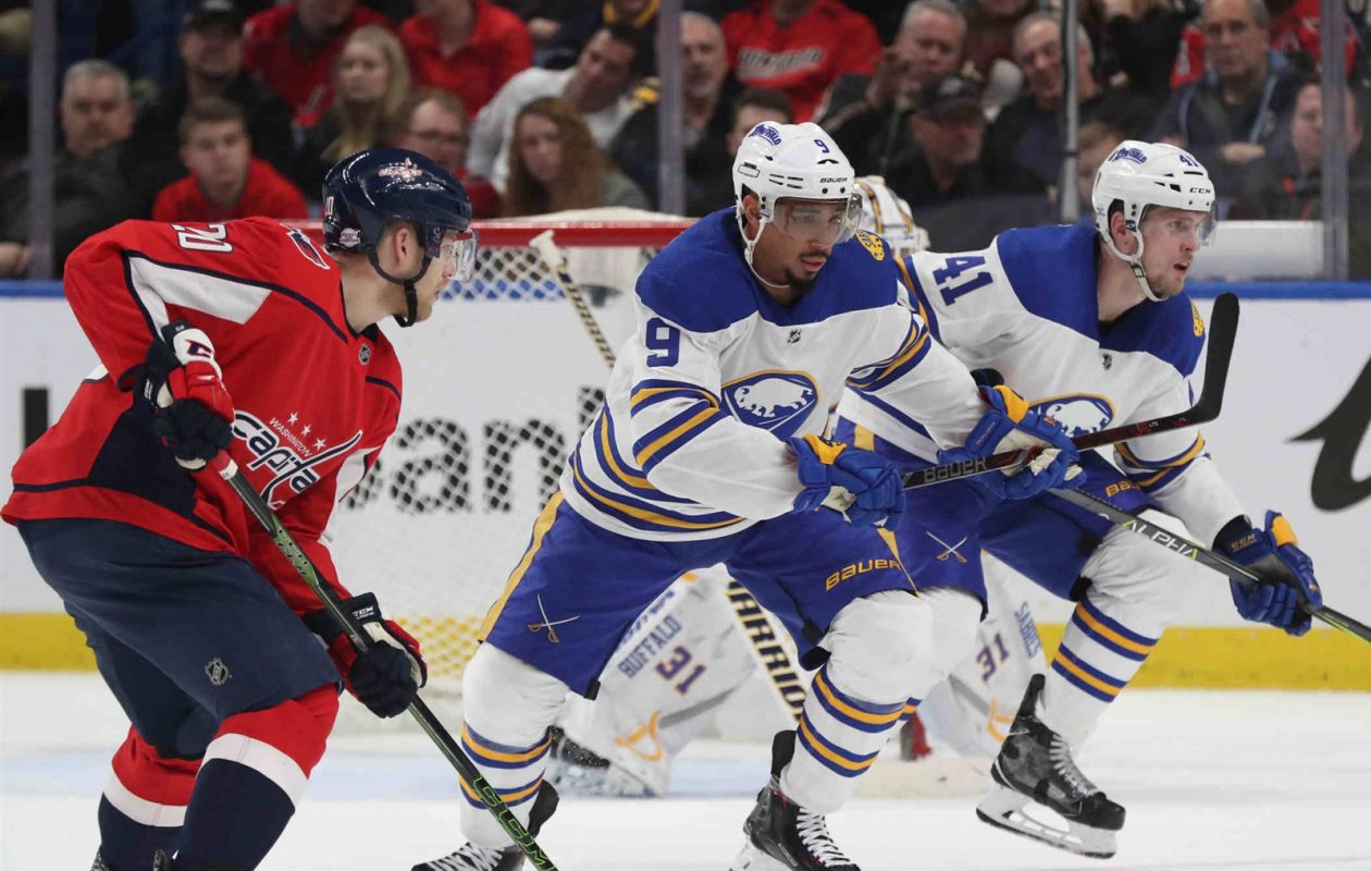 The Sharks like the edge that Evander Kane brings to his game. (James P. McCoy/Buffalo News)
