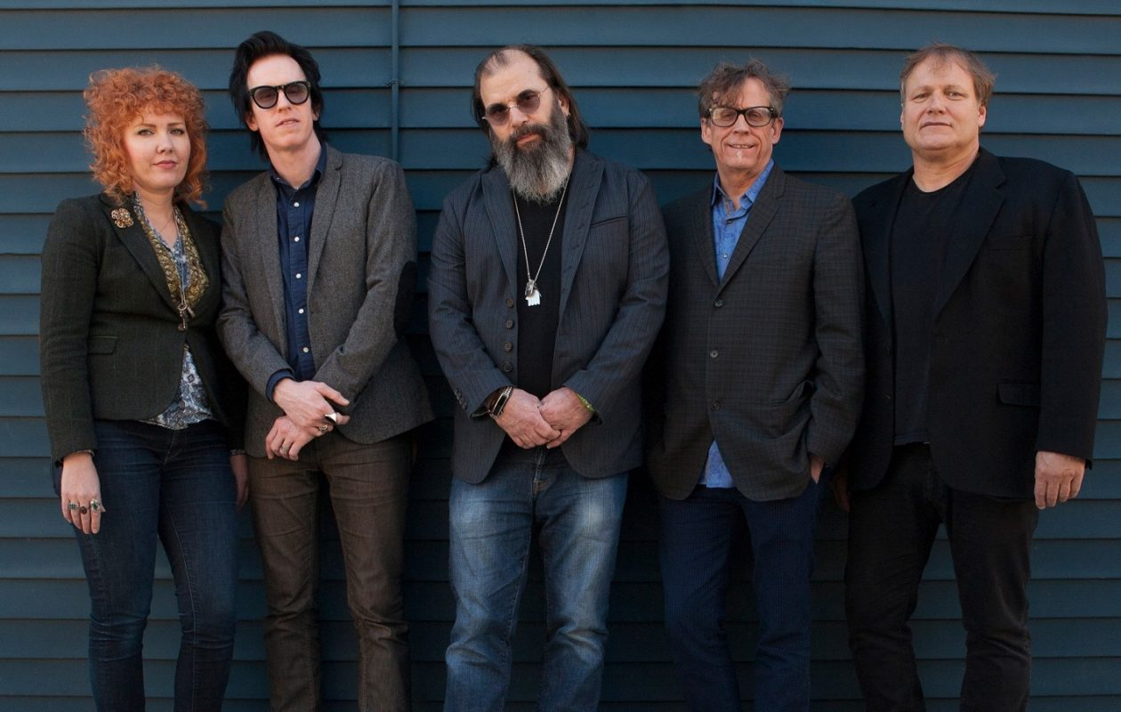Steve Earle & the Dukes will celebrate 30 years of 'Copperhead Road.'