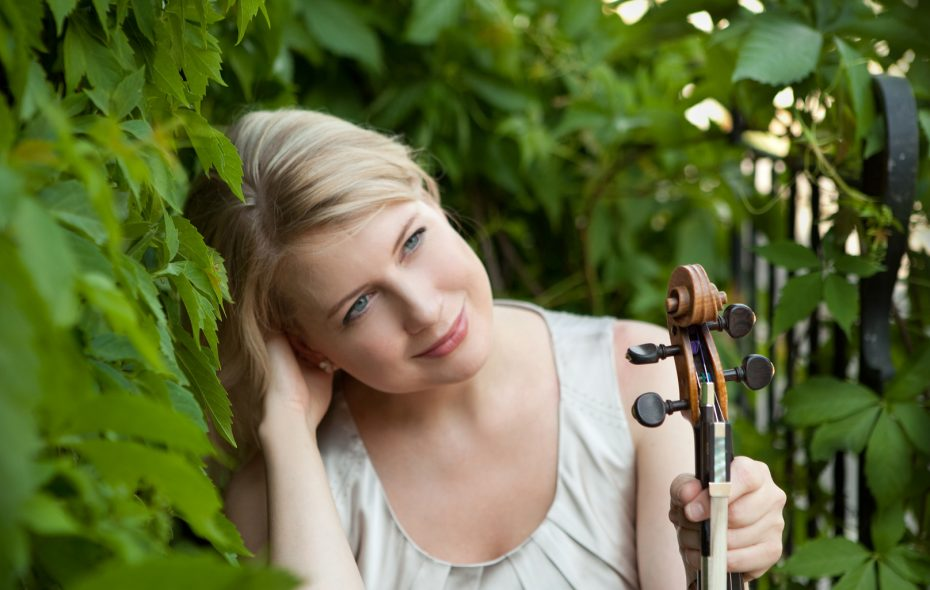 Elina Vahala is performing Sibelius' Violin Concerto with the BPO.