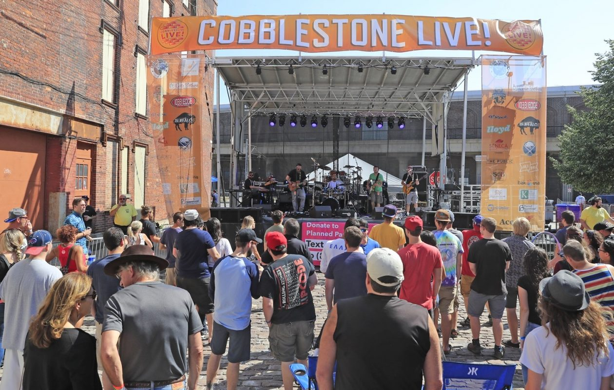 A look at the crowd in front of the Illinois Street stage at Cobblestone Live! 2017. (Harry Scull Jr./News file photo)