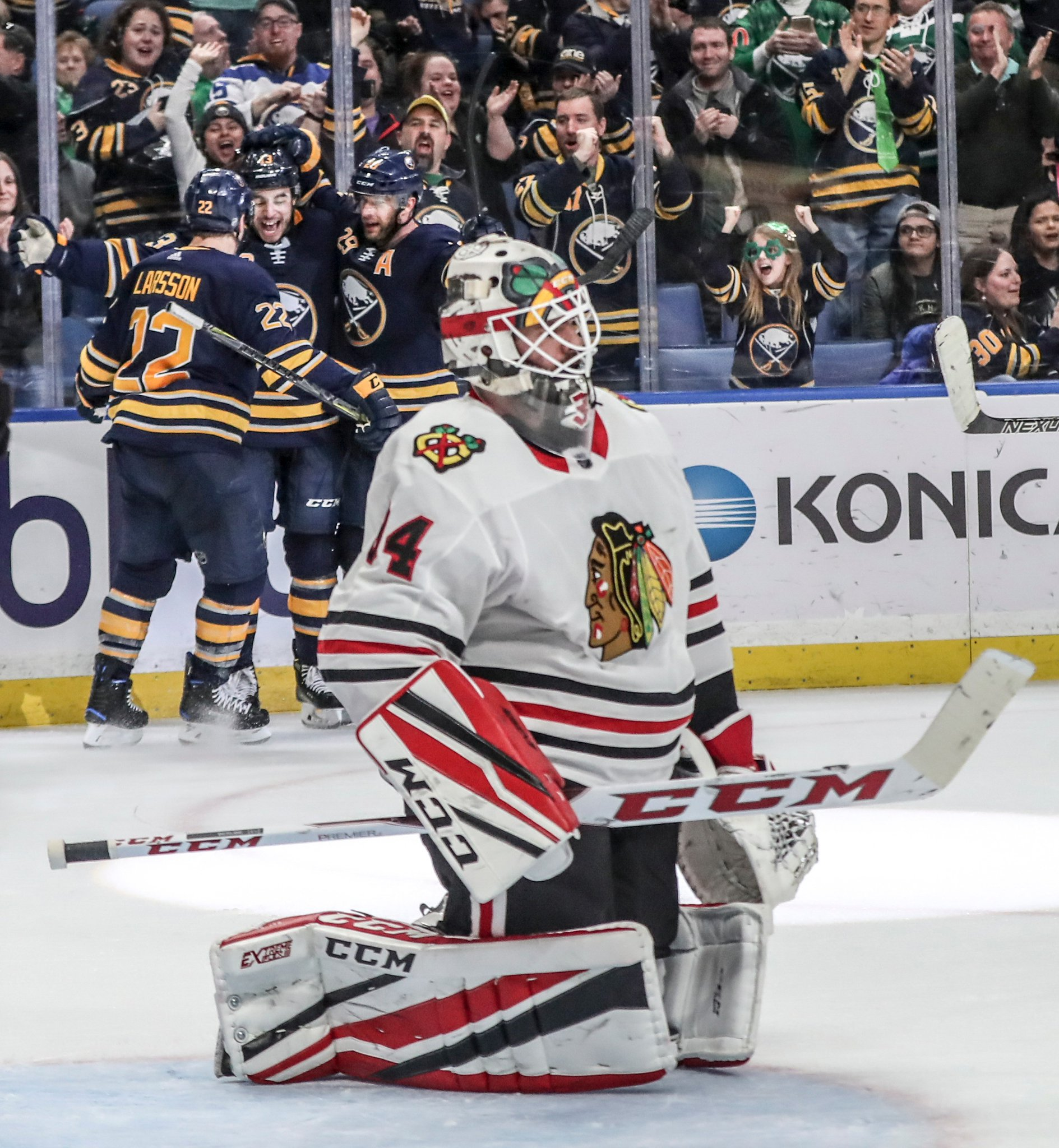 Sabres' young trio takes big step against Blackhawks