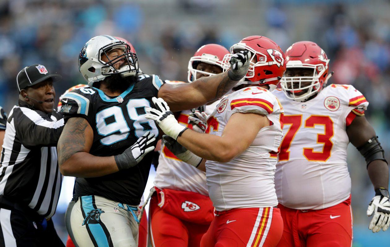 Star Lotulelei battles the Chiefs. (Streeter Lecka/Getty Images)