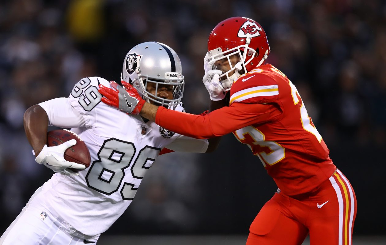 Phillip Gaines (right) defends against Amari Cooper (Ezra Shaw/Getty Images)