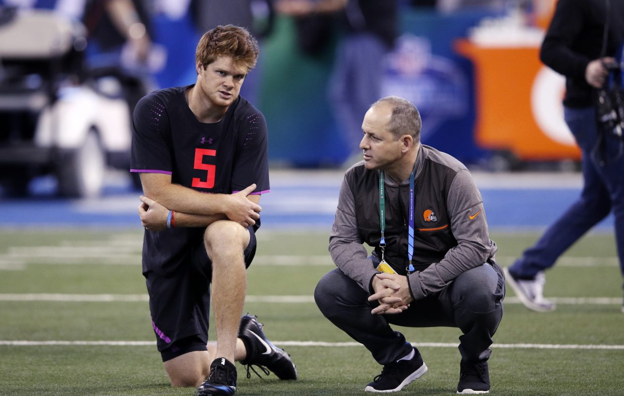 USC quarterback Sam Darnold talks with Ken Zampese of the Cleveland Browns during the combine. (Joe Robbins/Getty Images)