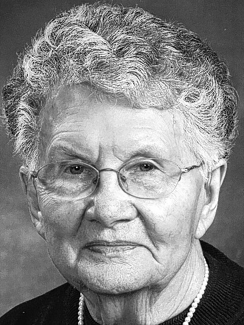 McANINICH, Betty J. (Gardei)