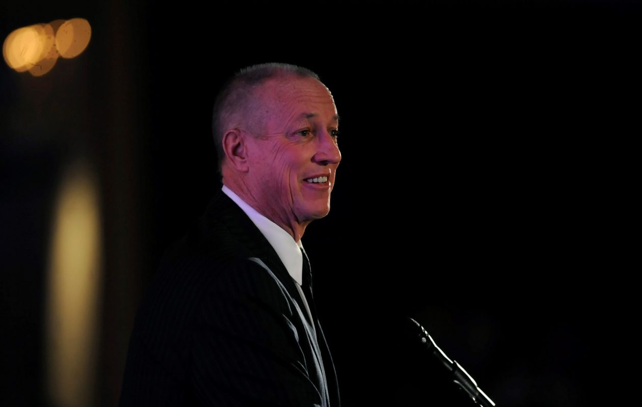 Jim Kelly addresses the Vince Lombardi Cancer Foundation's annual banquet after receiving the organization's award of excellence (Gregory Shaver/For the Buffalo News)