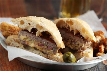 Stooges Stuffed Burger Bar: Restaurant review