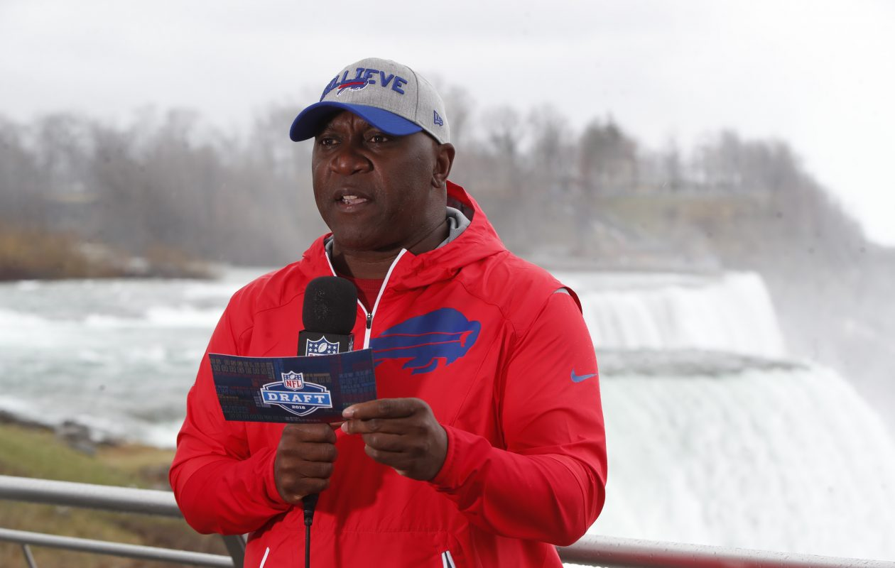 Buffalo Bills alum Thurman Thomas  announces the fifth-round pick of the Bills at Niagara Falls as part of an NFL initiative to localize late-round picks . (Harry Scull Jr./ Buffalo News)