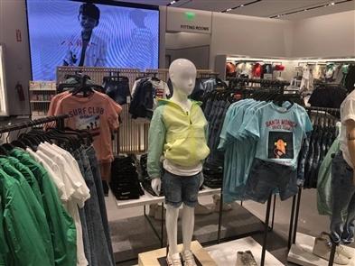 Zara opens at Walden Galleria