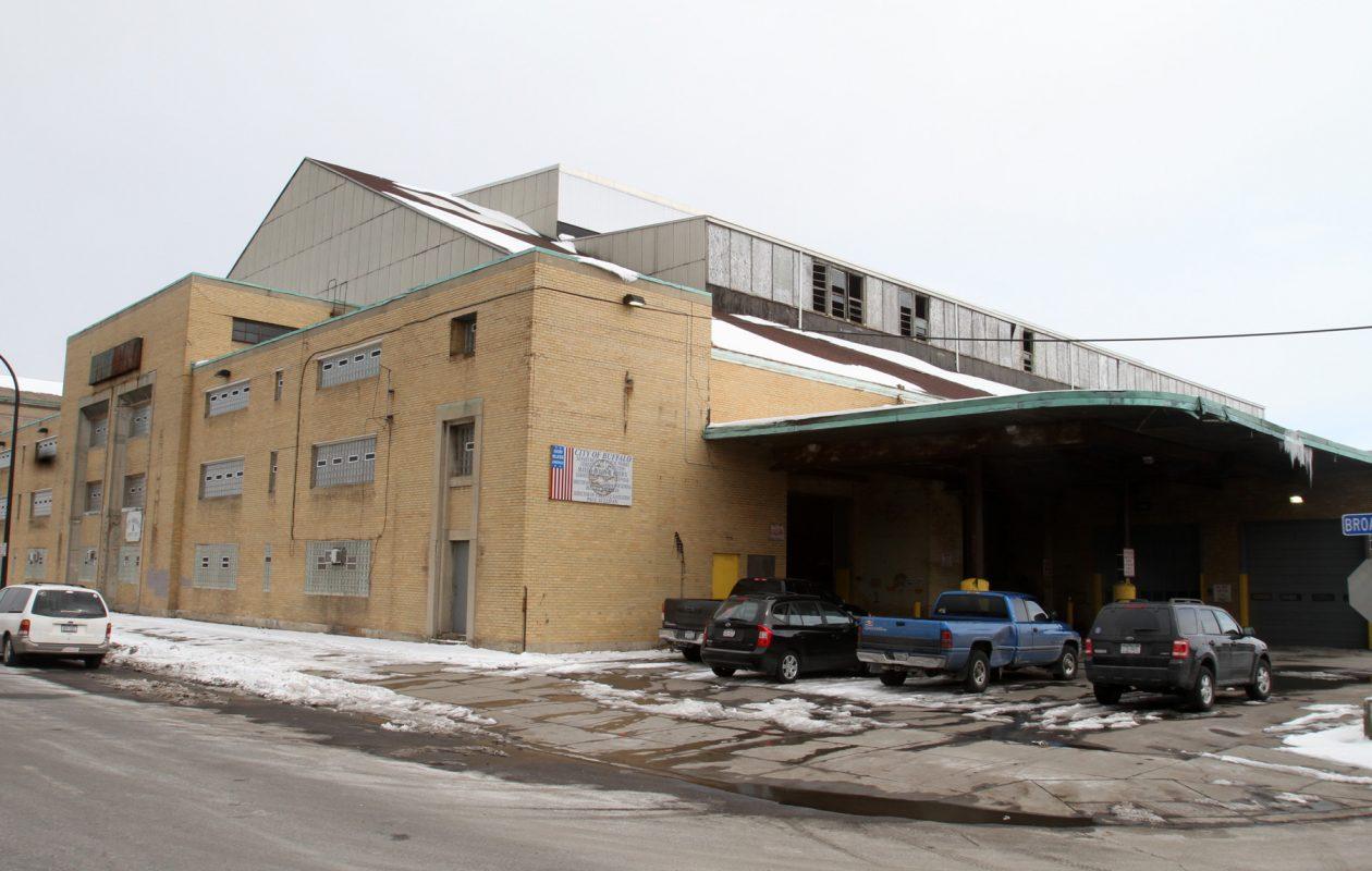 The Broadway Barns, near Michigan, where the city keeps heavy machinery. (John Hickey/News file photo)