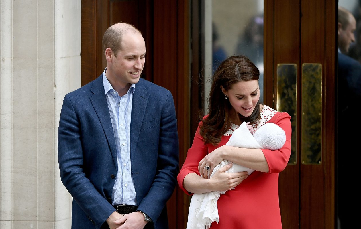 Katherine, Duchess of Cambridge and Prince William, Duke of Cambridge, depart the Lindo Wing with their newborn son at St Mary's Hospital on April 23, 2018, in London. The Duchess safely delivered a boy at 11:01 a.m., weighing 8 pounds, 7 ounces, who will be fifth in line to the throne.  (Gareth Cattermole/Getty Images)