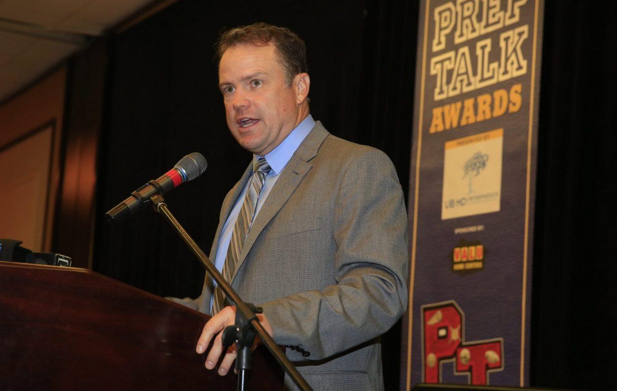 Steve Tasker, pictured as the keynote speaker at the 2015 PrepTalk Awards, delivers insight prior to debut of 'One Bills Live.' (Harry Scull Jr./News File Photo)