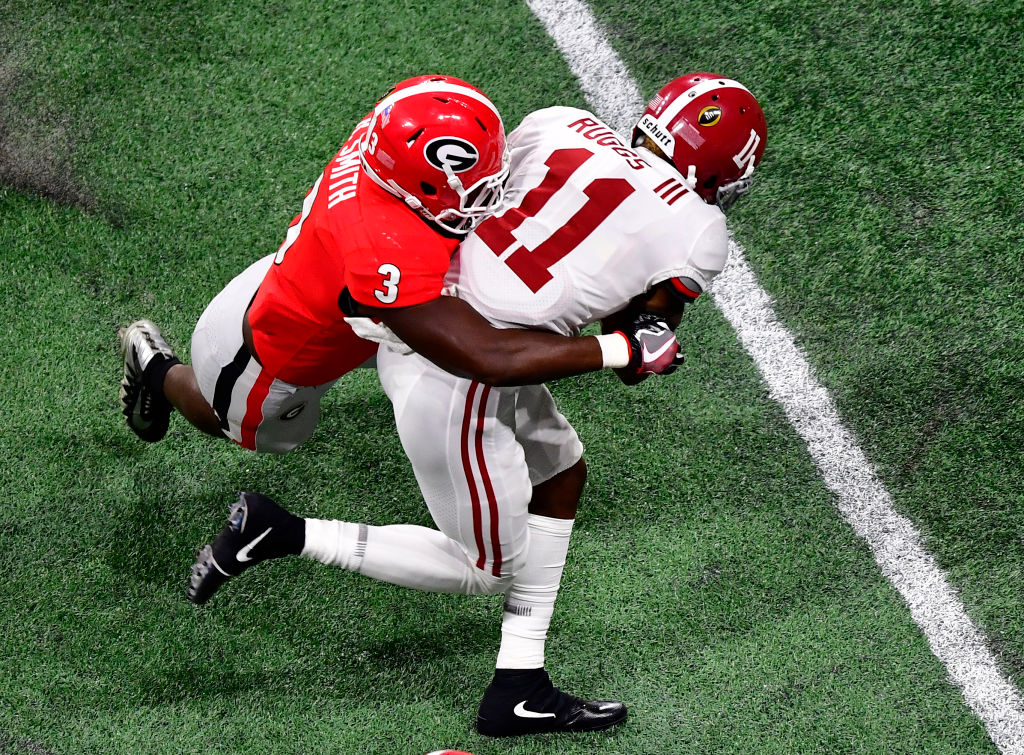 Roquan Smith (3) of the Georgia Bulldogs is believed by some to be the top prospect at his position and a strong fit for Bills coach Sean McDermott's defense. (Scott Cunningham/Getty Images)