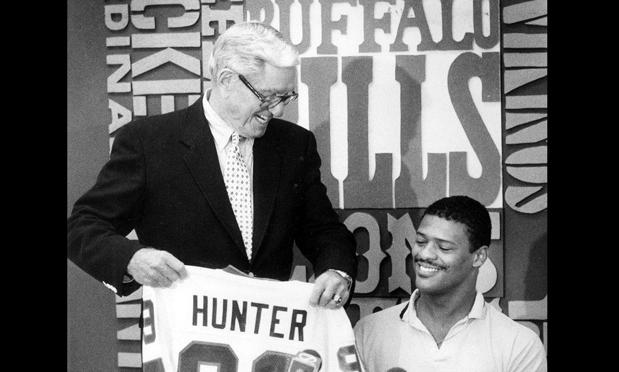 Bills general manager Patrick J. McGroder with Tony Hunter on June 18, 1983. (New file photo)