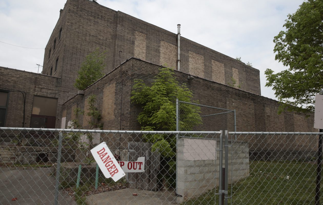This is how the former South Junior High School in Niagara Falls looked in May 2015, before its conversion into Niagara City Lofts.  (John Hickey/Buffalo News)