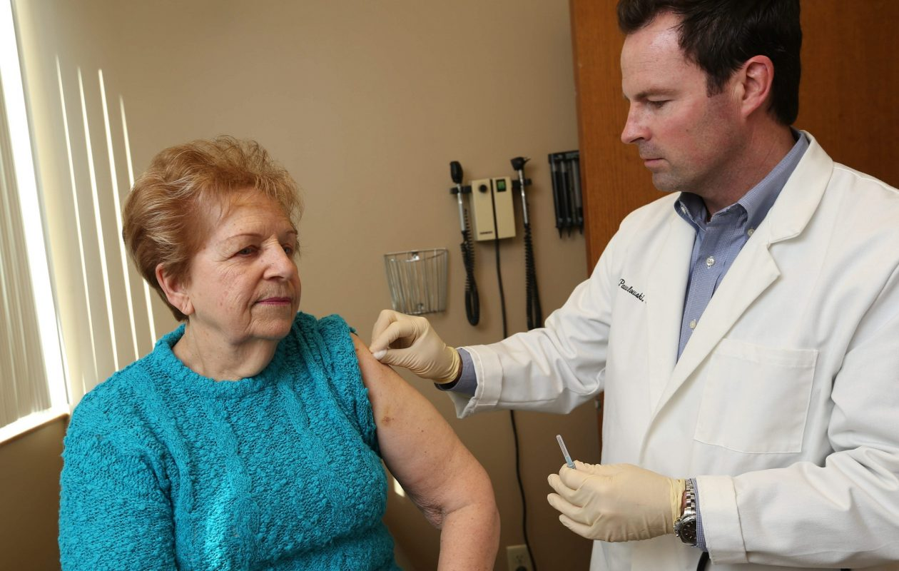 Health officials urge residents to get the flu shot before flu season peaks in late January.  (Sharon Cantillon/News file photo)