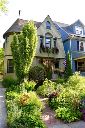 Home of the Week: Color, color everywhere
