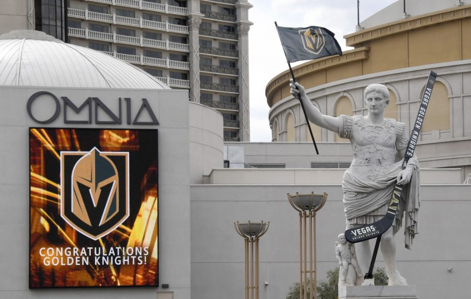 A Julius Caesar statue in front of Caesars Palace is ready for the Stanley Cup final (Getty Images).
