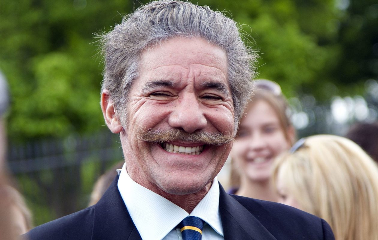 Geraldo Rivera, shown in this 2011 photo outside the White House, is floating down the Erie Canal toward Western New York this week. (Photo courtesy Wikimedia Commons)