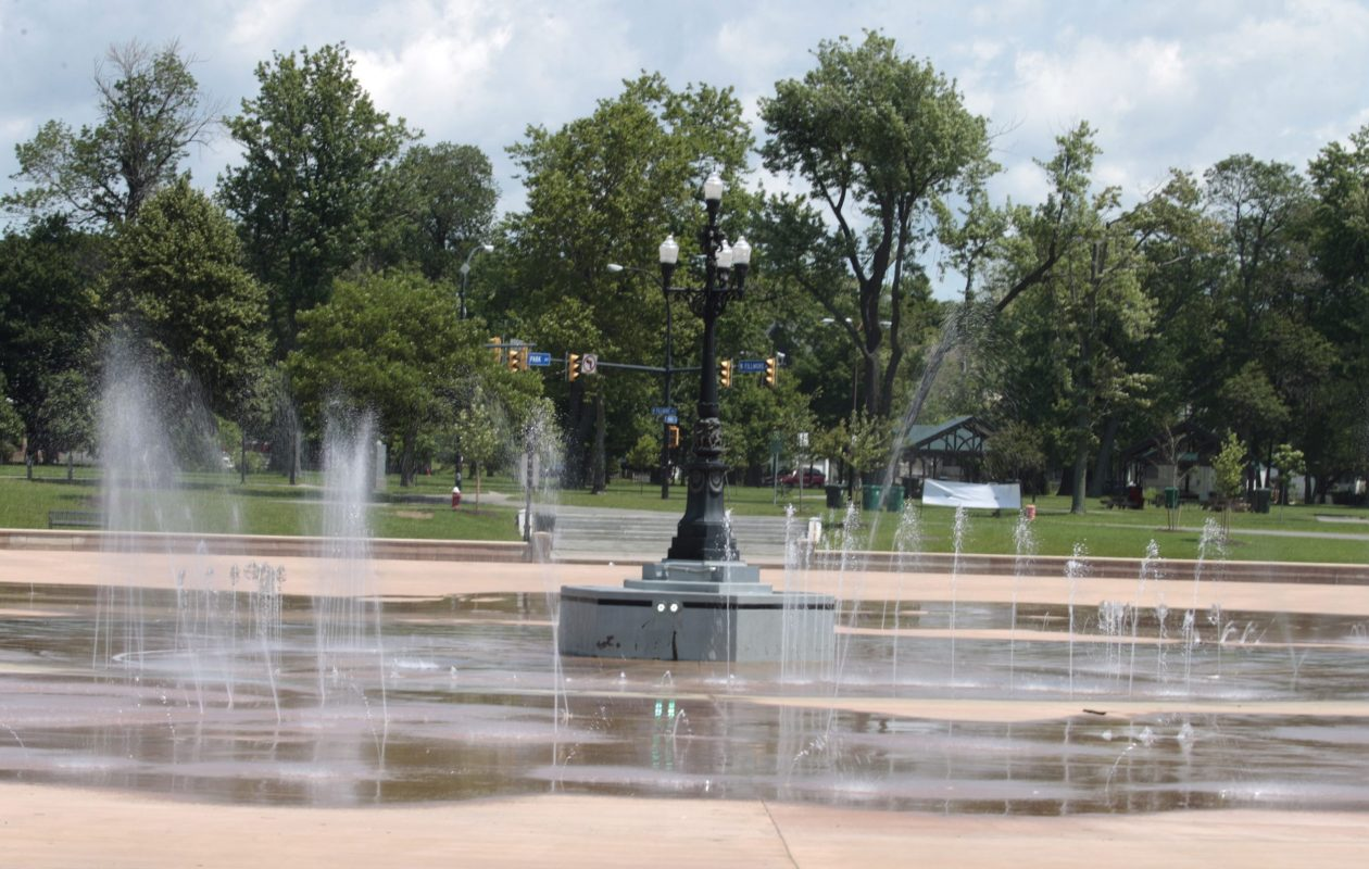 Most of Buffalo's splash pads - like the one at Martin Luther King Jr. Park - are open until 7 p.m. today. (John Hickey/News file photo)