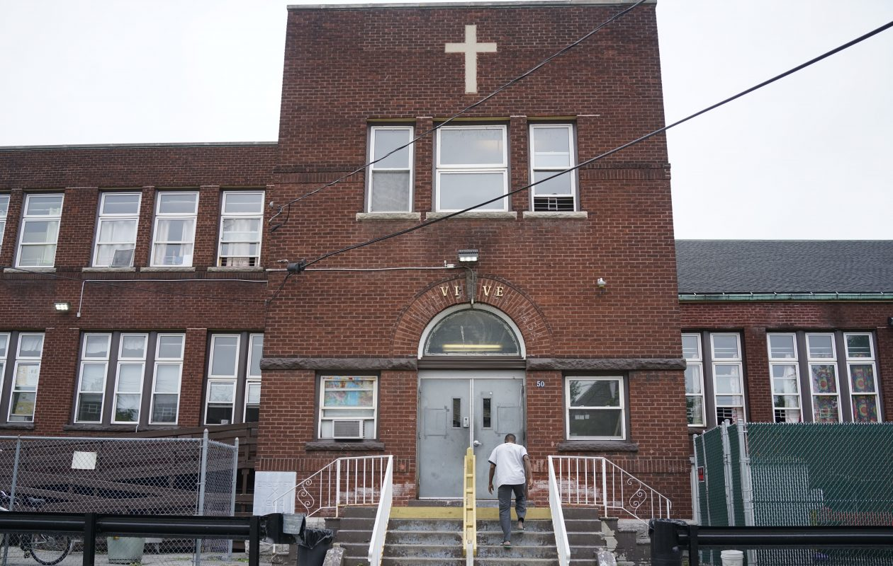 Jericho Road's Vive shelter on Wyoming Avenue. (Derek Gee/Buffalo News)