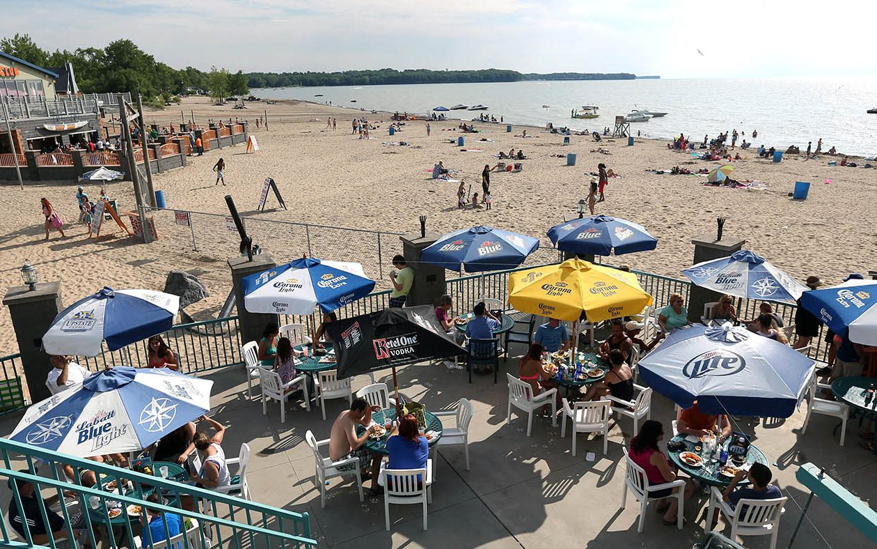 One way to beat the heat: head to the beach. (Sharon Cantillon/News file photo)