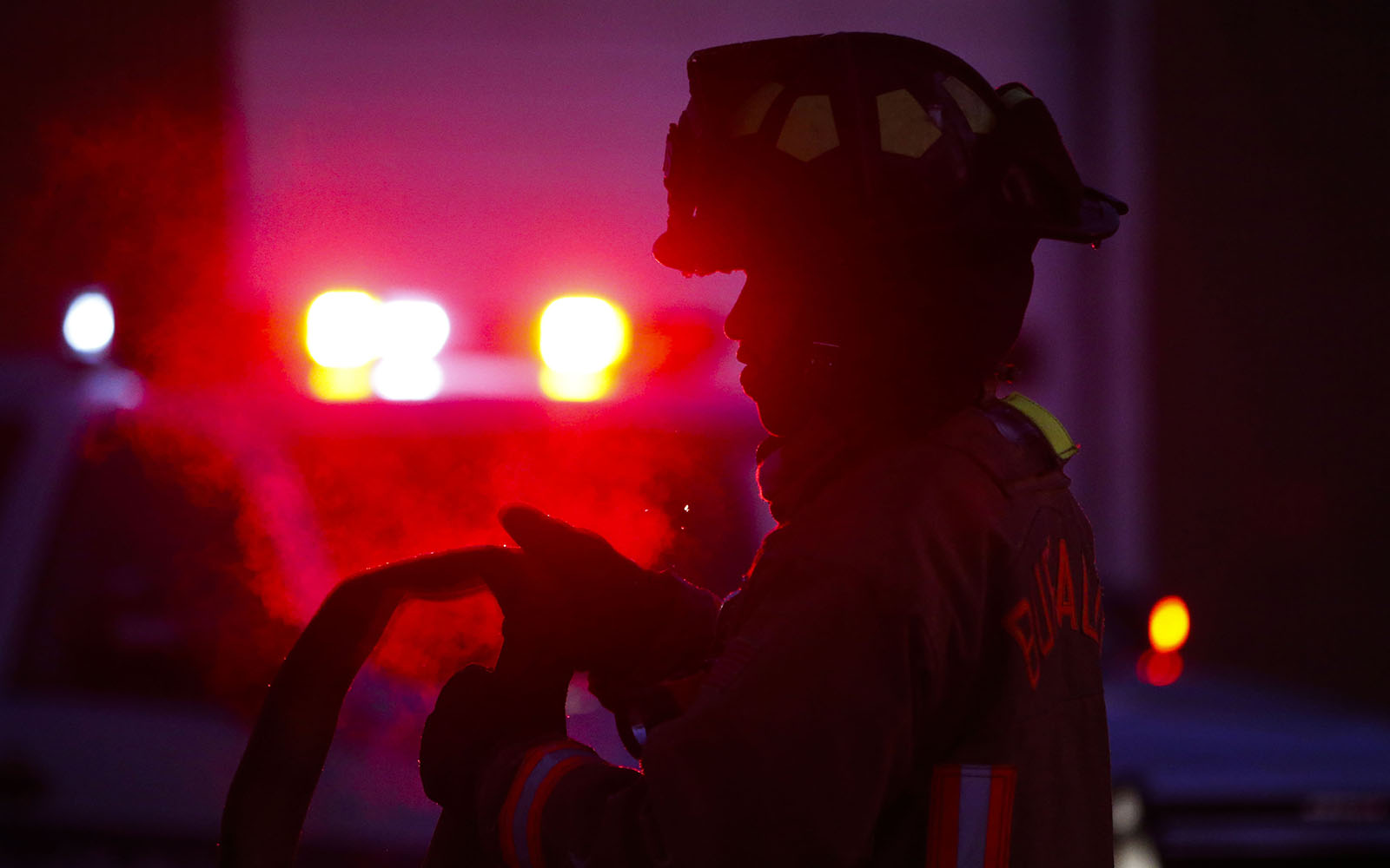 Fire damages home on Grand Island