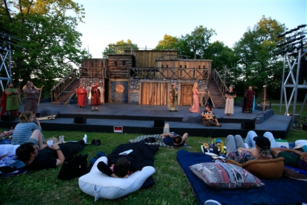 "It's become a summertime staple in Buffalo. Theatergoers bring blankets and chairs to watch Shakespeare in Delaware Park. This year's productions, ""King Lear"" (through July 15) and"