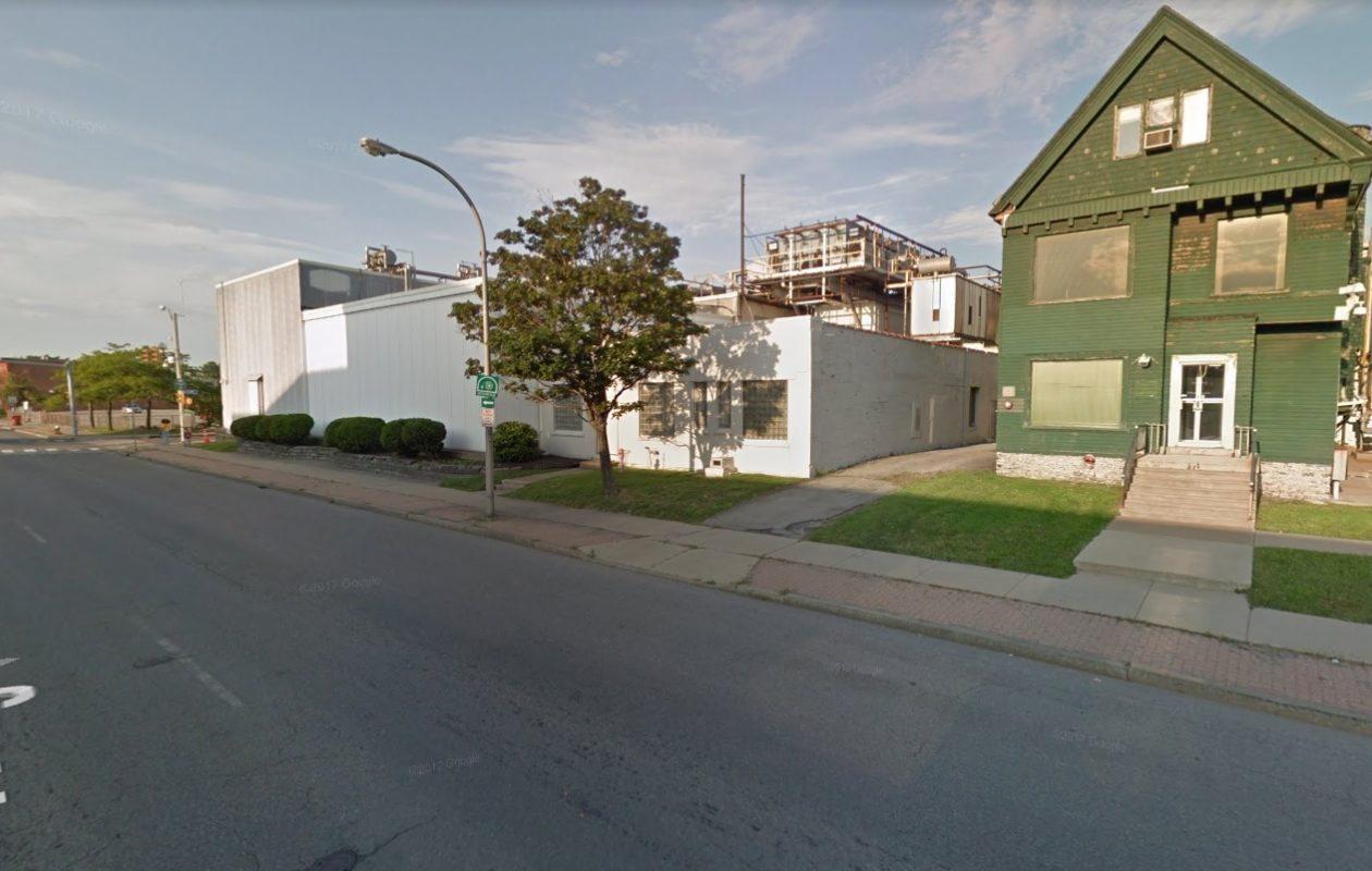 Rich Products Corp. re-acquired this property at 1155 Niagara St. and now plans to demolish the buildings to make way for possible future redevelopment. (Google)