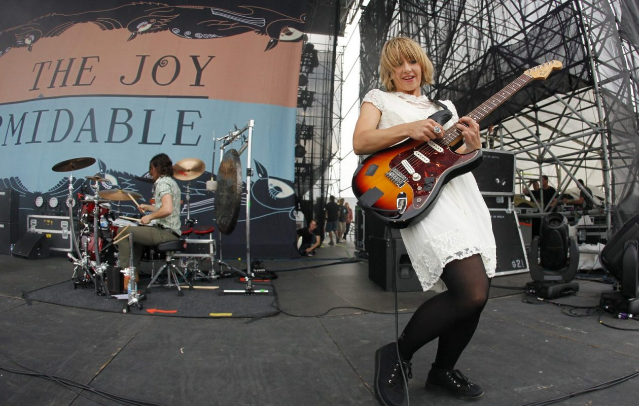 Ritzy Bryan and the Joy Formidable opened up for the Black Keys at the Outer Harbor in 2013. (Harry Scull Jr./News file photo)