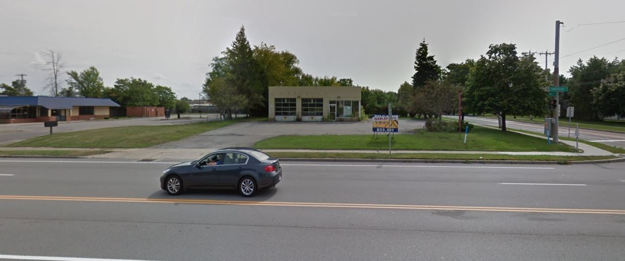 The former Valvoline Instant Oil Change at 5105 Sheridan Drive, Amherst, recently purchased by Iskalo Development is in the center of this picture. The former Burger King also owned by the company is to the left. (Google Streetview)