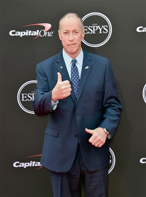 Buffalo Bills legend Jim Kelly accepted the Jimmy V Award at the ESPYs on Wednesday, July 18, 2018.