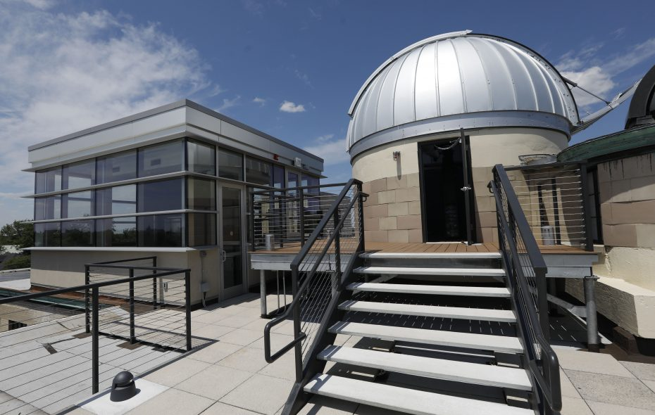 The new Kellogg Observatory on the roof of the Buffalo Science Museum. (Derek Gee/Buffalo News)